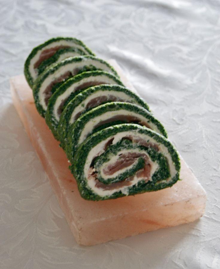 Szpinakowa rolada z łososiem . Salmon and spinach roll