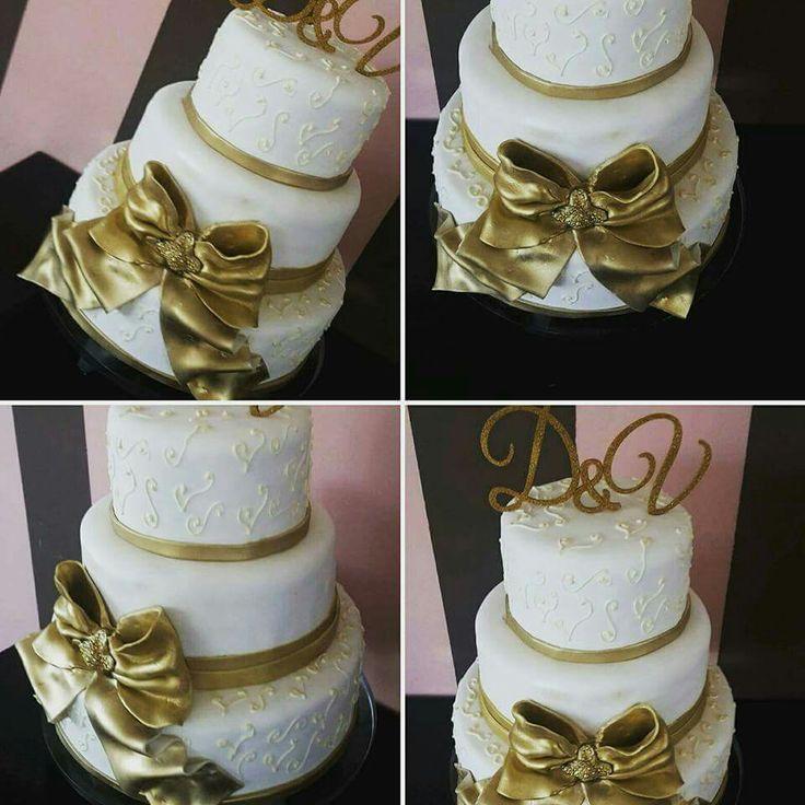 Wedding, golden bow, royal icing