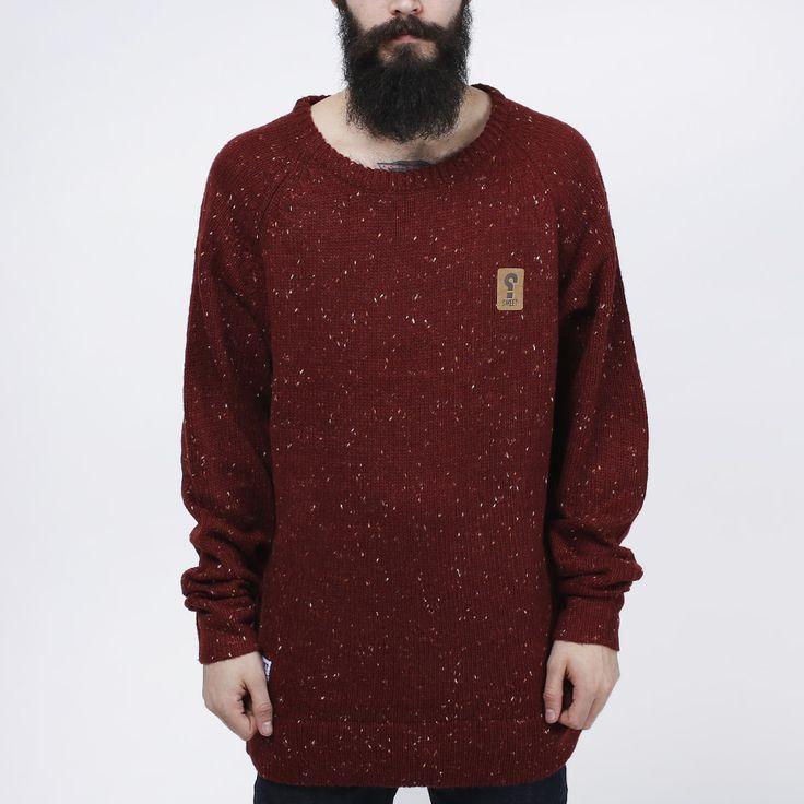 Strikket genser fra SWEET SKTBS. - Detalj på brystet. Materiale: 55% Polyester, 30% Akryl, 15% Ull. Modellen er 182 cm og avbildet i L.