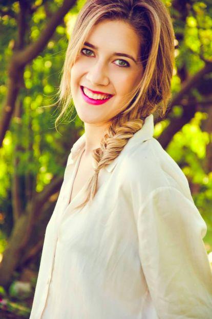 Angie - Clara Alonso