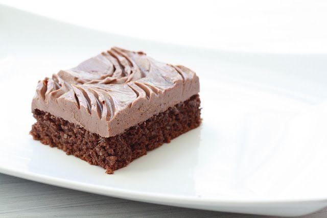 Kakaové řezy s máslovým krémem   http://www.veseleboruvky.cz/2012/10/kakaove-rezy-bez-lepku.html