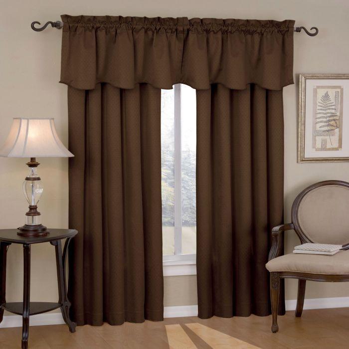 Темно-коричневые шторы