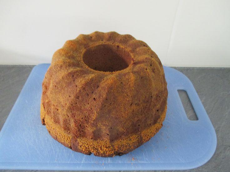 suklaa-hehdelmä kakku
