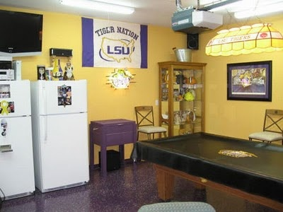 This LSU Fan converted their garage into their ultimate Tigers fan cave.: Garage Gym, Fans Caves, Kinda Woman, Caves 30, Woman Caves, Lsu Sports, Lsu Fans, Caves Ideas, Garage Ideas
