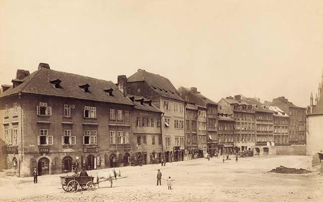 Úzká, Zlatá ulice - západní strana před sbouráním. Úzká/Golden street, teh western part before demolition