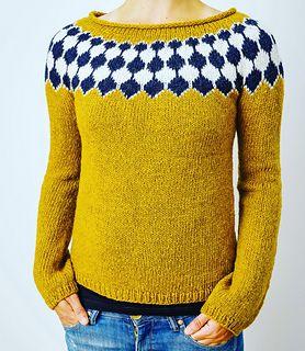 Garn: Højlandsuld fra Garnudsalg.dk (løbelængde ca. 550m/100g). Sweateren strikkes med dobbelt tråd.