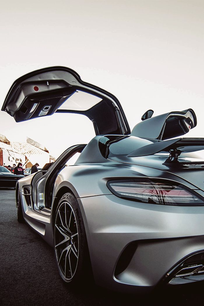 Mercedes SLS AMG. Airplane