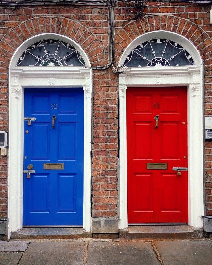 Limerick doors are the best doors! . . . . . . . . #doorknobitry #doorsoftheworld #door #doors #doorsofinstagram #reddoor #doorsandwindowsoftheworld #bluedoor #fanwindow #georgianlimerick #georgian #redbrick #georgianarchitecture #irisharchit #lookatthatdoor #limerickcity #limerick #exploreireland