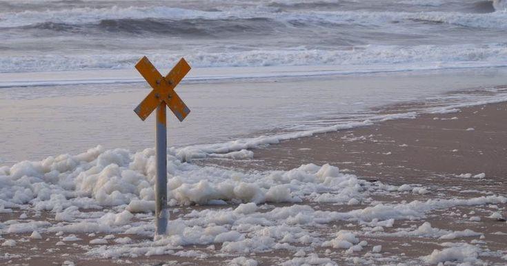 """""""Wenn man Weihnachten ans Meer ginge"""": Ein Gedicht auf Küstenkidsunterwegs für alle, denen der Seewind gut tut und die zum oder nach dem Weihnachtsfest mal einen klaren Kopf brauchen, und ein paar schöne Bilder von einem Wintertag am Meer. #meer #gedicht #weihnachten #ansmeergehen #strand #küste #wind #freipusten #alternative"""