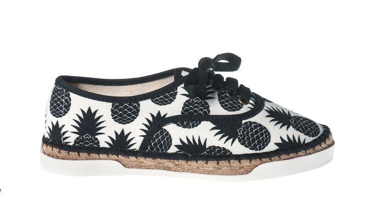 Basket Ananas #ananas #pineapple #basketespadrilles #espadrilles #ladiesshoes #womenshoes #girlsshoes #summershoes #springshoes #comfortable #trendy #shoelaces #spring2017 #summer2017  Shop here:  http://www.studioreve.nl/product/basket-ananas/