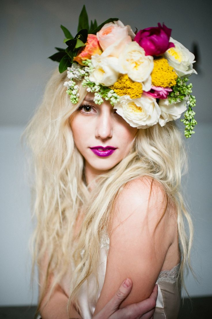i actually want that thing on her head to be my bouquet