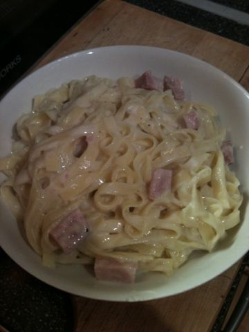 Vicki-Kitchen: Creamy tagliatelle (slimming world friendly) Hope this tastes as good as it looks!!!!