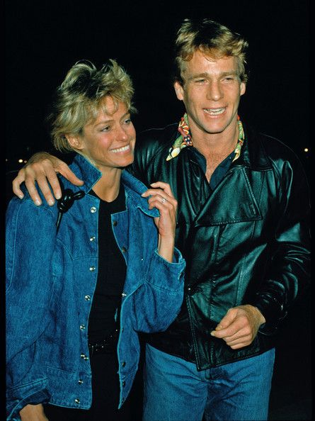 www.bauergriffinonline.com.-----------------------------------------------------.©BAUER-GRIFFIN.COM.The following are classic (stock) images of Ryan O'Neal and Tatum O'Neal.Image Circa: 1983 (with Farrah Fawcett).