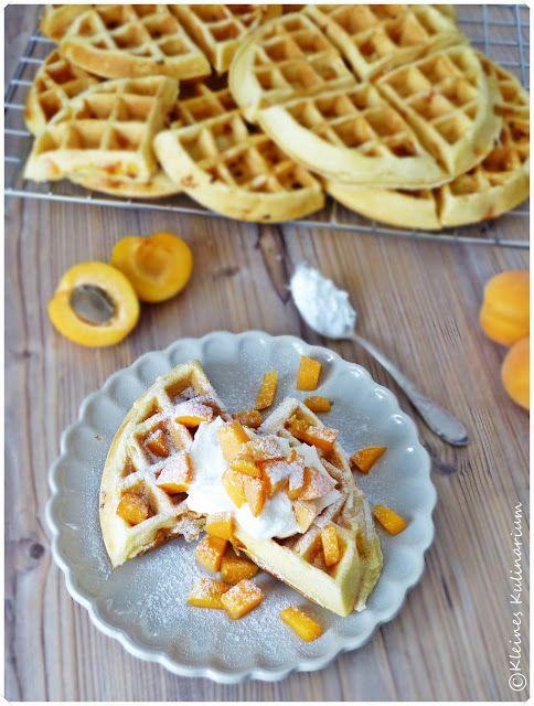 Kleines Kulinarium: Aprikosen Buttermilch Waffeln