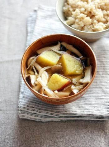 美味しくてヘルシー♪旬の食材を使ったおススメ「お味噌汁レシピ」20選 ... さつま芋ときのこの味噌汁(柚子こしょう仕立て)