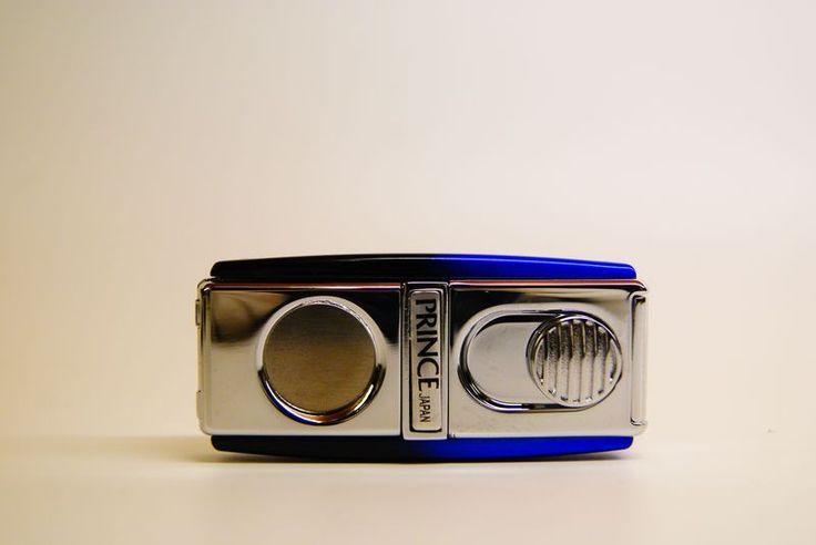 Accendini Jet Flame : Accendino Prince jet flame con taglia sigaro. blu e nero - Tabaccheria Sansone - Pipe Tabacco Sigari - Accessori per fumatori