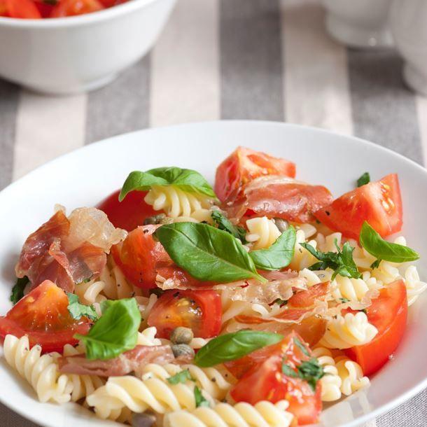 1000 id es sur le th me salades de p tes au jambon sur for Cuisine a l italienne