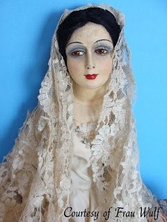 Frau Wulf's Boudoir Doll Blog: Munecas Pages Madrid