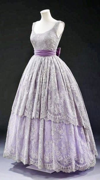 Jacques Fath Dress - 1957 - Lace, silk lined with cotton, boned, net, plastic…