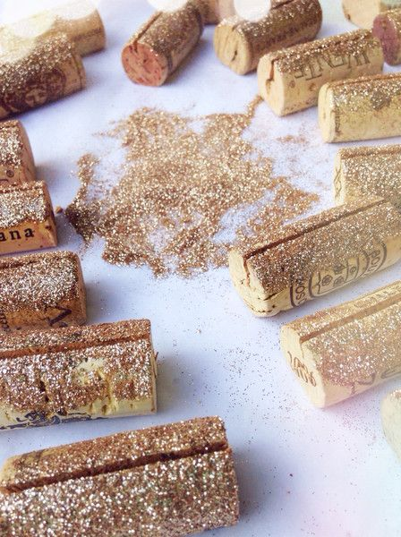 As if I need an excuse to drink wine and play with glitter ... Gold Glitter Place Card Holders by Kara's Vineyard Wedding