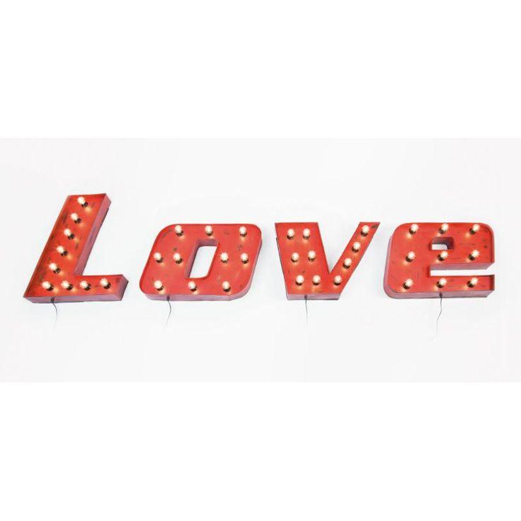 Φωτιστικό τοίχου Vintage Love  Εντυπωσιακό φωτιστικό τοίχου Love στο απόλυτο χρώμα του έρωτα και της αγάπης, το κόκκινο!  €790          Εντυπωσιακό φωτιστικό τοίχου Love στο απόλυτο χρώμα του έρωτα και της αγάπης, το κόκκινο!
