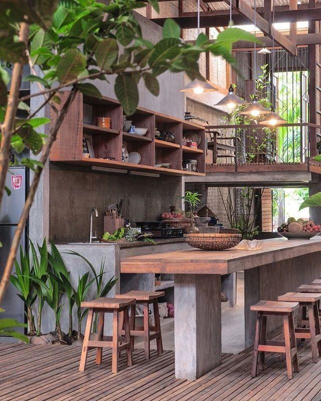 Area gourmet com muito cimento e madeira  A gente ama! #design #decor #areagourmet
