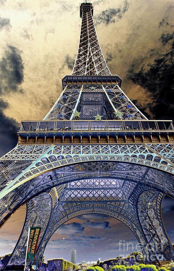 Eiffel Tower, Paris - France                                                                                                                                                      Plus