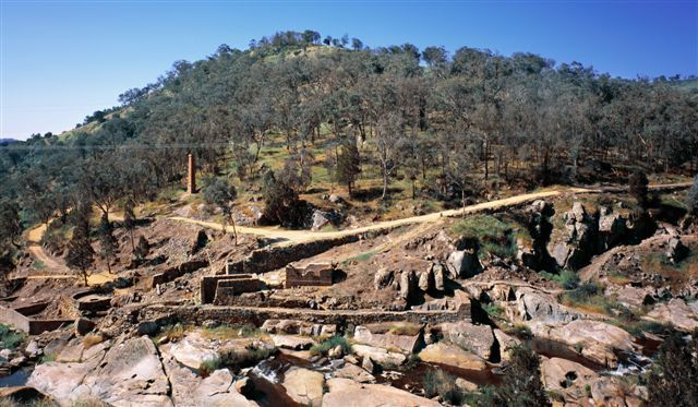 Adelong Falls gold ruins
