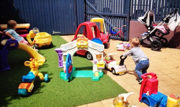 Kids play area at Bellagio Cafe Waverley. Healthy food options and loads of toys to keep the kids busy. Campos coffee, yum! This and two more kid friendly eateries in Sydney where the wheels of your pram will not be ankle tapping diners. http://www.eatraiselove.com/love/child-friendly-resturants-sydney/