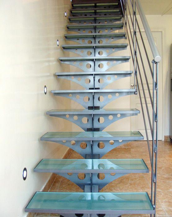 Photo dt26 esca 39 droit escalier int rieur design acier et verre sur li - Escalier interieur design ...