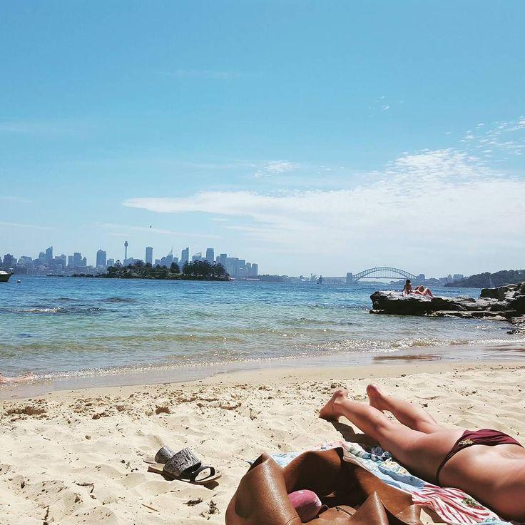 From where you'd rather be #beach #sydneyharbour #sydneyharbourbridge #milkbeach #vauclause #sydney #noplacelikehome by emmavilarrubi http://ift.tt/1NRMbNv