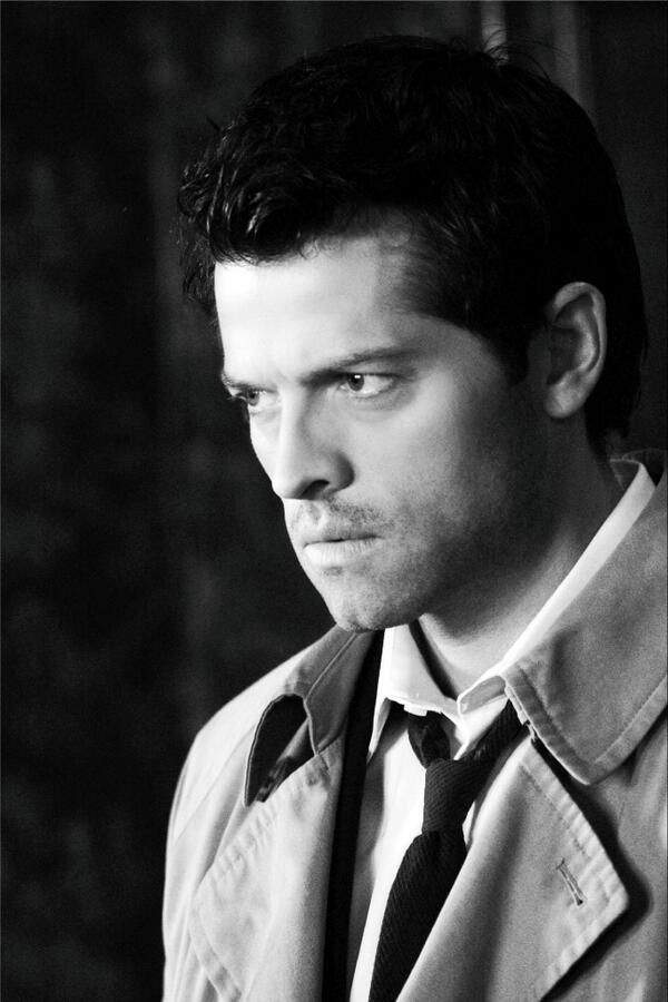 Castiel's this-just-got-real expression. I know that they're kind of SORT OF the same person (in a way), but I just CAN'T associate Misha Collins with this expression. Even when he's wearing it on his face. :/