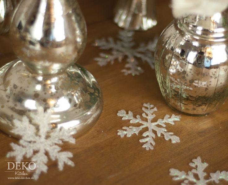 Diy weihnachtsdeko basteln eiskristalle aus hei kleber for Deko kitchen herbstdeko