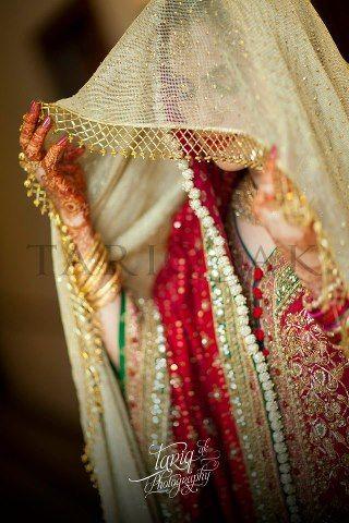 Pakistani bridal fashion - walking into nikkah