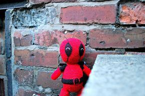 the geeky knitter: amigurumi deadpool - free crochet pattern