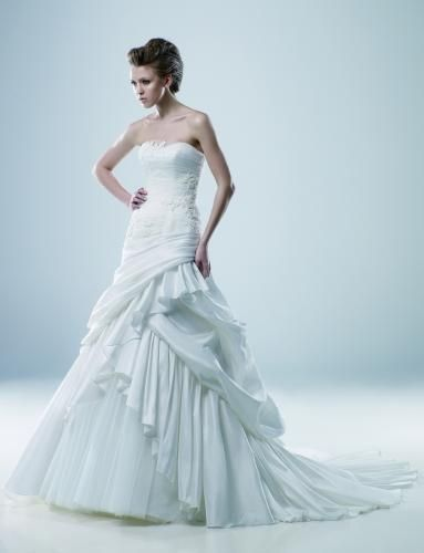 Igen Szalon Modeca wedding dress - #Mavis #igenszalon #Modeca #weddingdress #bridalgown #eskuvoiruha #menyasszonyiruha #eskuvo #menyasszony #Budapest