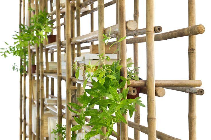 """מודולרית, קלילה, אוורירית וגמישה? קבלו את BambOOKS, ספריית הבמבוק החדשה שעיצבה האדריכלית שרון נוימן בשיתוף """"ארטן"""". והמחברים? עשויים מצ'ופסטיקס!"""