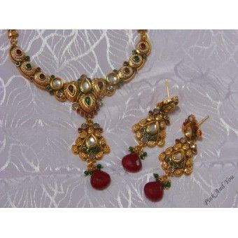 Antique Necklace set with pretty half chain