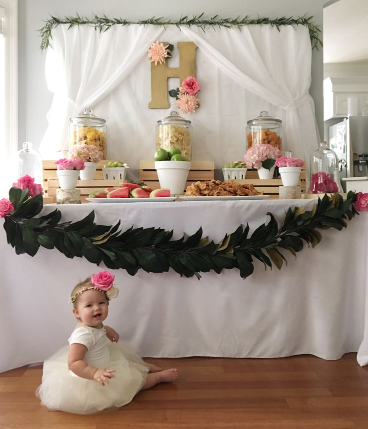 629 best images about kids 39 birthday ideas on pinterest for Baby girl first birthday party decoration ideas