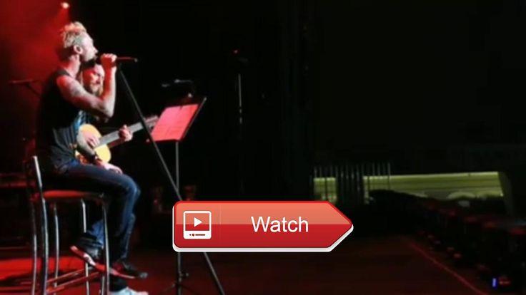 Maroon performing live in Brasil 17