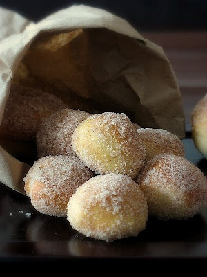 More healthful than a real doughnut.: Tasty Recipe, Sweet, Donut Holes, Food, Sugar Doughnut, Baked Donuts, Baked Not Fried, Baked Doughnuts Baked, Dessert