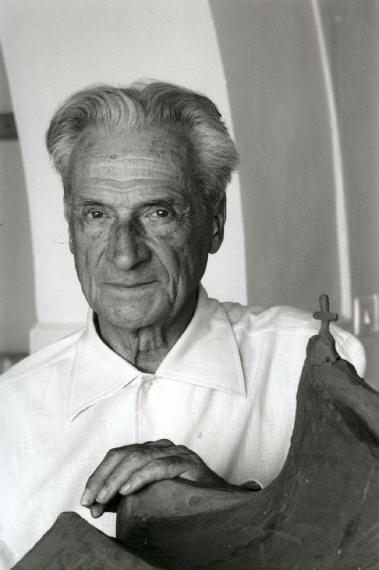 """""""Creo que mi obra arquitectónica refleja y comunica mi estado de ánimo."""" Giovanni Michelucci. (1891 -1990)"""