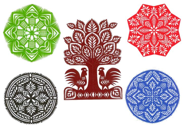 """""""Most wycinaki is made with layers of different colors, but the Kurpie and Kolbiel regions are typically just one color. Below is an assortment of designs from Malgorzata Belkiewicz, both traditional Kolbiel and personal artistic creations."""""""