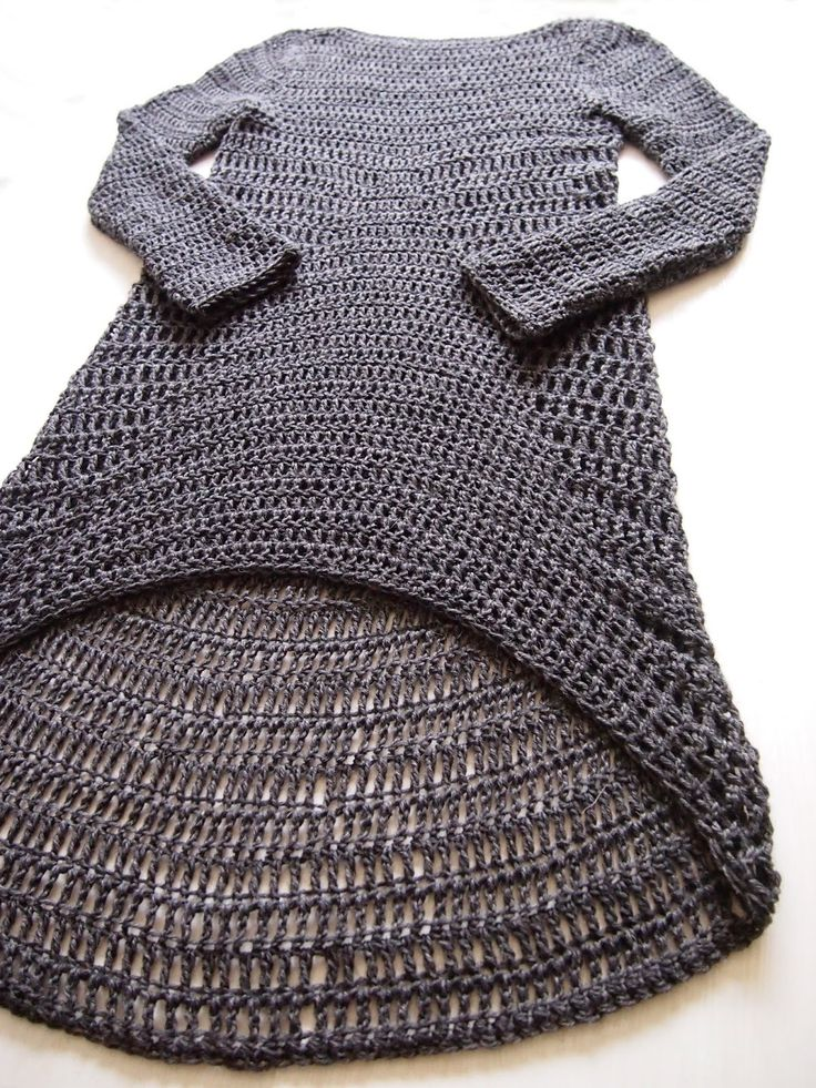 No pattern for this asymmetrical #crochet dress, but photos show the crocheter's design process. Fascinating!