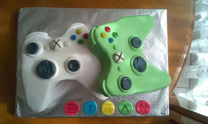 Xbox controllers cake