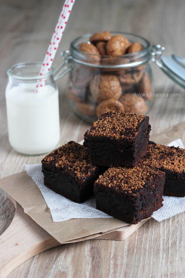 Cacao brownies con caffè espresso e amaretti
