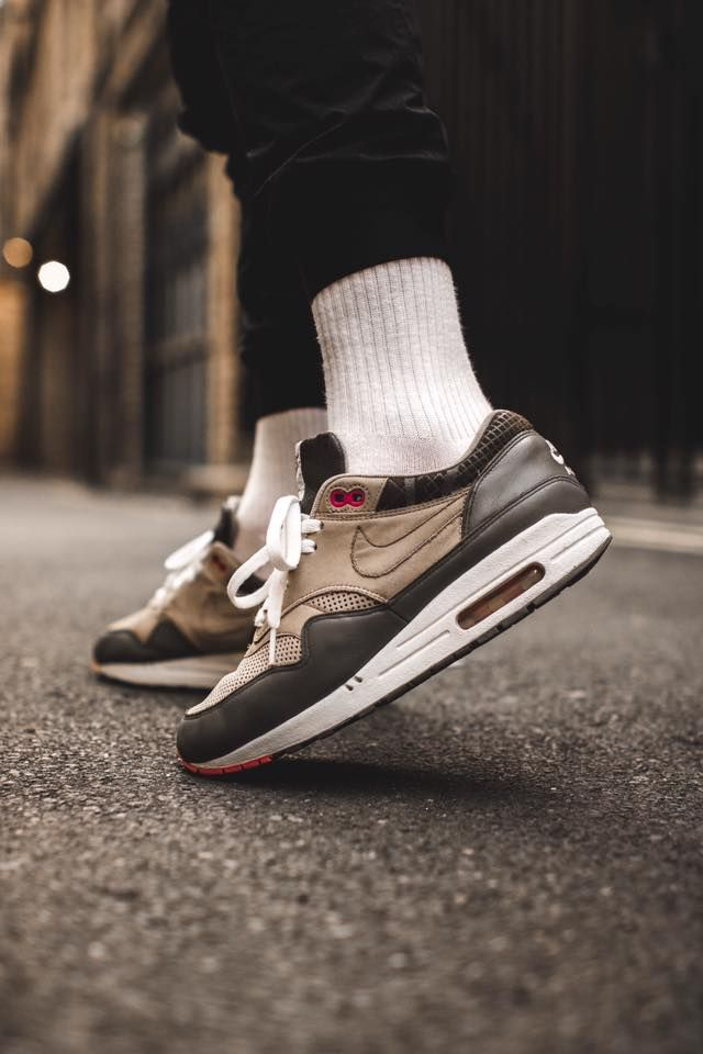 Nike Air Max 1 Flamingo - 2007 (by smileymalone)