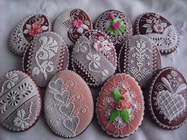 Easter gingerbread eggs. By http://medovniky.artmama.sme.sk/