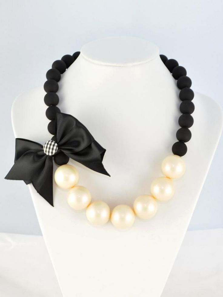 Contrast Colour Pearl Necklace With Bowknot - Choies.com