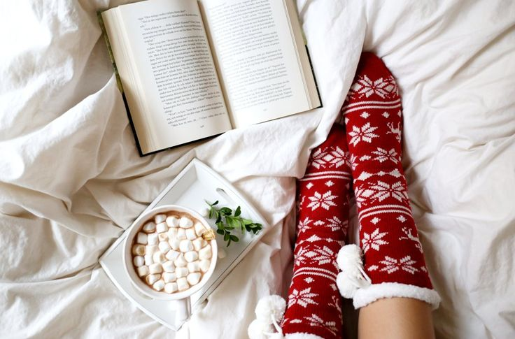 sixkissesdotcom:  Christmas Winter Socks